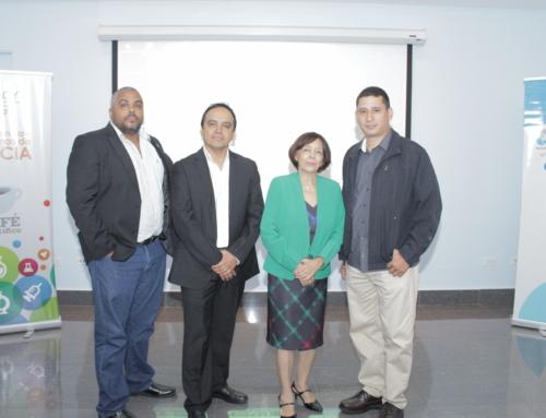 """Entomólogos y médicos panameños participan en el Café Científico """"Acarología médica en Panamá"""" de la SENACYT"""